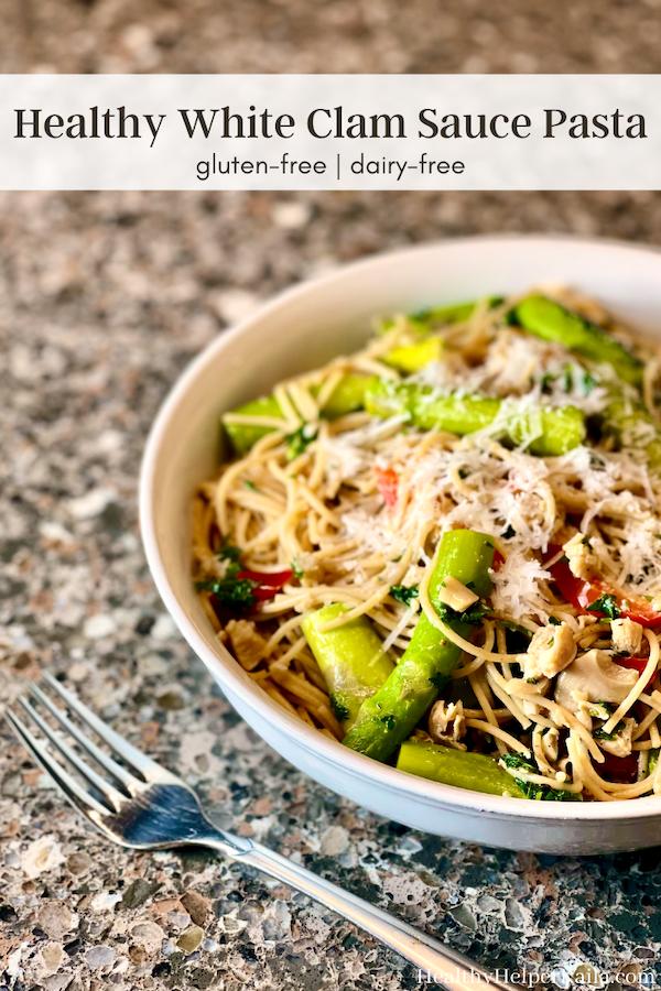 सफेद चटनी के साथ स्वस्थ पास्ता |  सफेद क्लैम सॉस के साथ पास्ता के लिए एक आसान, स्वस्थ विकल्प!  डेयरी, लस मुक्त और आप एक क्लासिक पकवान से प्यार सभी स्वाद है।