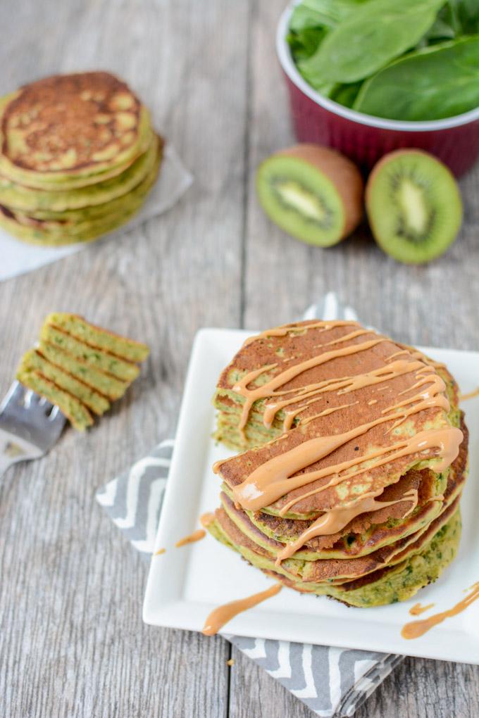 green-smoothie-pancakes-5