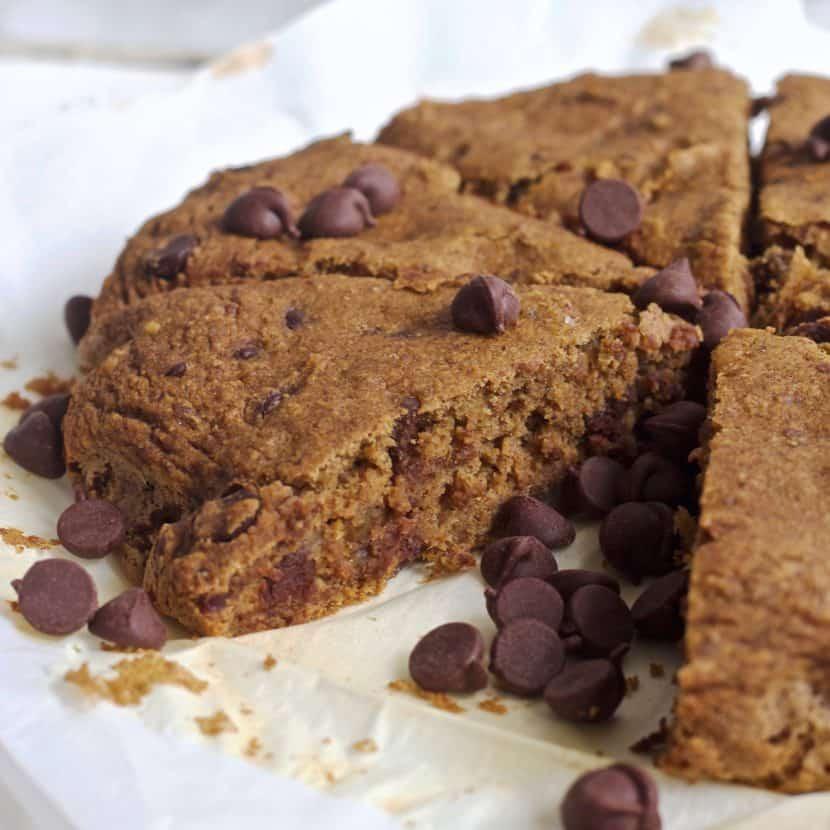 Vegan Chocolate Chip Coffee Cake | Healthy Helper @Healthy_Helper