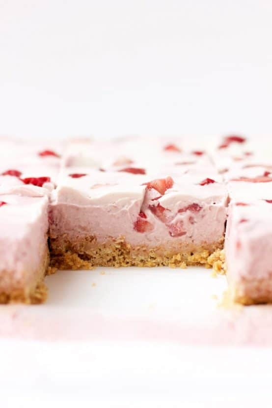 Vegan Strawberries and Cream Cheesecake Bars | Healthy Helper @Healthy_Helper