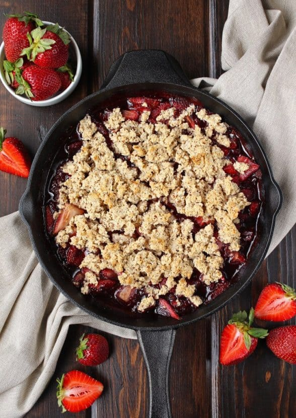 Paleo Strawberry Shortcake Cobbler | Healthy Helper @Healthy_Helper