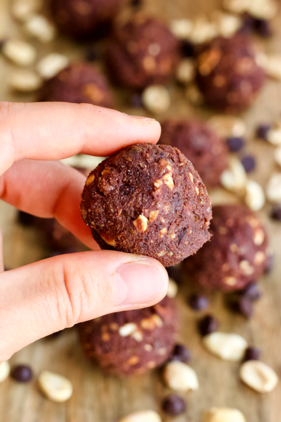 Healthy Vegan Reese's Bites | Chocolate peanut butter bites with the creamy, richness of a truffle and the wholesomeness of a healthy homemade treat. These Reese's Bites will be your new favorite way to satisfy your sweet tooth. Vegan, gluten-free, and absolutely delicious!