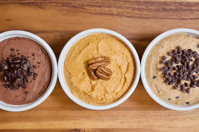 Carrot Cake Dessert Hummus | Perfectly spiced Carrot Cake dessert hummus that tastes like a fresh from the oven baked good! Creamy, smooth, and just sweet enough to satisfy all your cake cravings.  Vegan, gluten-free, and low in sugar.