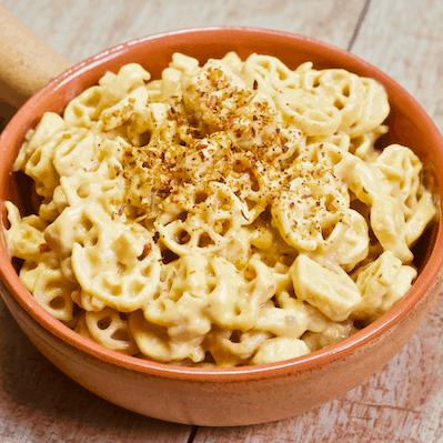 Easy Vegan Mac n' Cheese | The easiest, cheesiest vegan mac n' cheese you'll ever make! Tastes just like a classic boxed mixed but is dairy-free, gluten-free, grain-free, and 100% vegan.