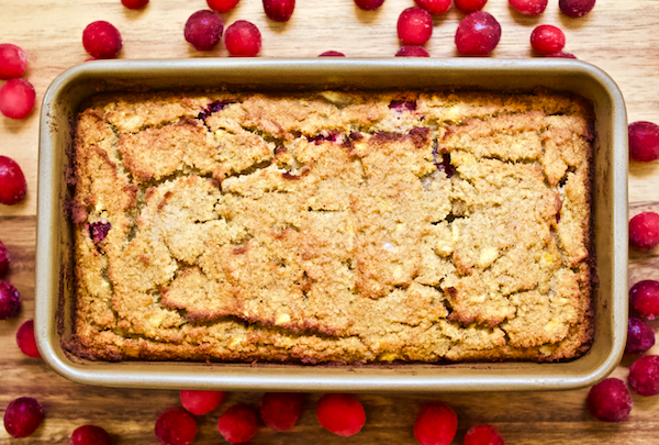 Paleo Cranberry Orange Bread | A low-carb, grain-free Cranberry Orange Bread that has no added sugar and paleo-friendly. A perfect sweet snack or satisfying breakfast.