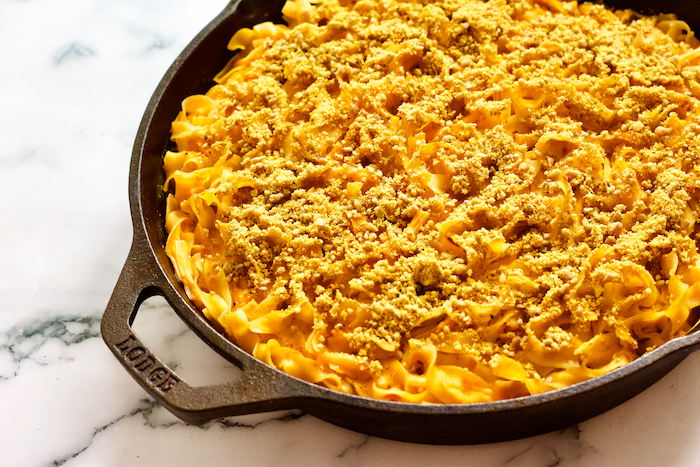 Dairy-Free Butternut Squash Skillet Mac n' Cheese | A cheesy, creamy noodle casserole made with butternut squash and NO DAIRY! This Butternut Squash Mac n' Cheese Skillet will be a family favorite. A lightened up, easy to make comfort food.